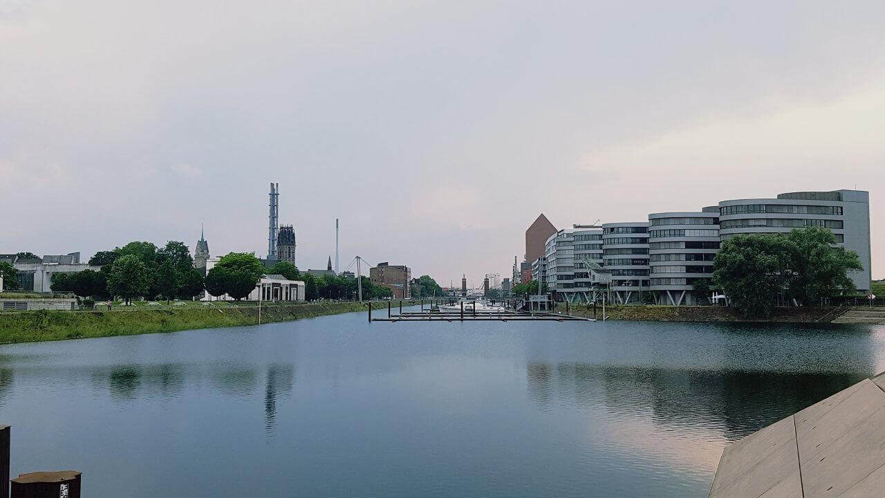 Der duisburger Innenhafen. Ein Bild von Ihrer SEO Agentur Duisburg.